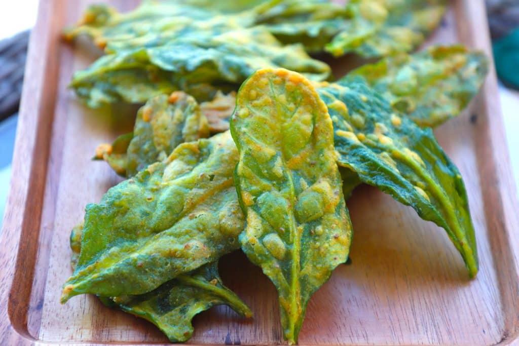 Palak pakora - crispy palak - spinach chips