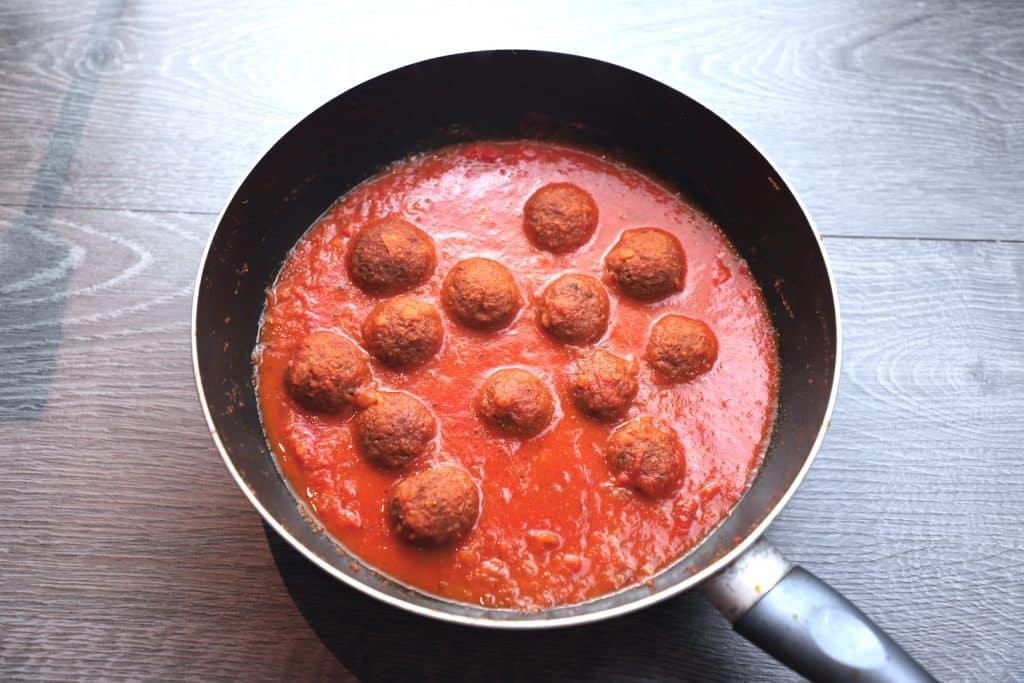 Kofta curry - Lauki kofta recipe - Bottle gourd kofta