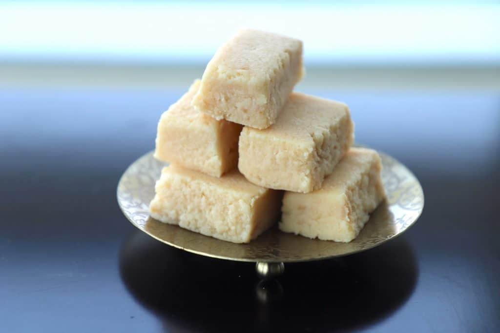 Milk cake recipe - Mawa cake - Kalakand recipe - Dessert - Diwali recipe