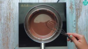 melt chocolata on double boiler